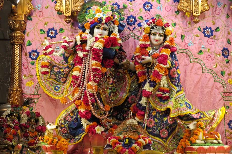 ISKCON Vallabh vidhyanagar Deity Darshan 17 jan 2017 (1)