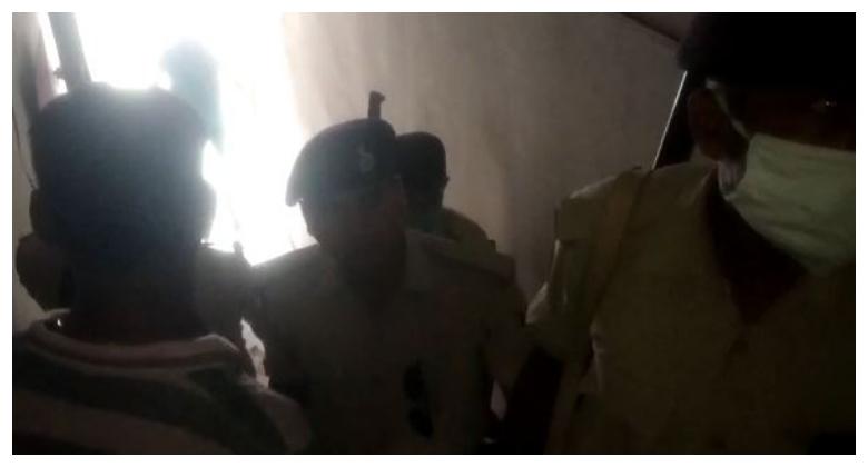 पटना के कदमकुआं में बैंक ऑफ बड़ौदा की बिल्डिंग में शॉर्टसर्किट से आग