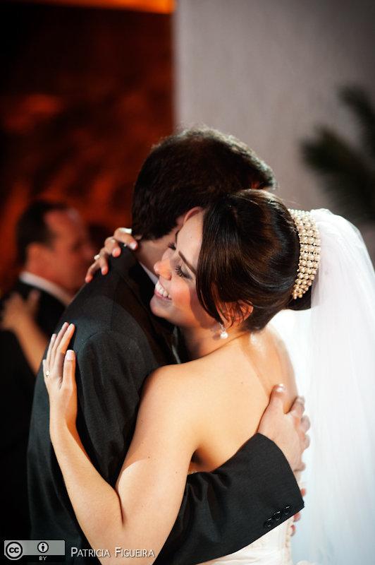 Foto de casamento 1700 de Nathalia e Fernando. Marcações: 04/12/2010, Casamento Nathalia e Fernando, Niteroi.