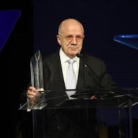 Dr. Eduardo Padron28