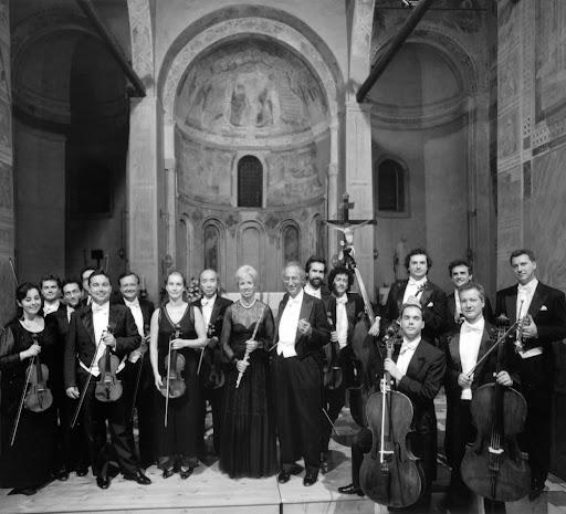 En Italia, I Solisti Veneti ha sido la primera agrupación en dar conciertos en  escuelas primarias y secundarias
