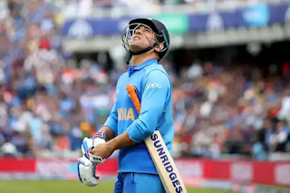 icc-aakash-chopra-questions-ms-dhoni-selection
