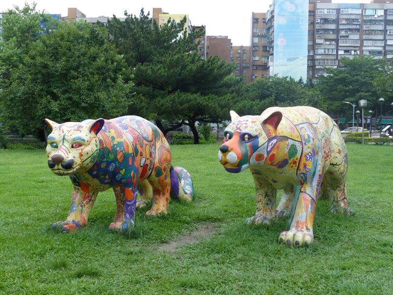 Taipei. Street art à Ximen et Youth park - P1250159.JPG