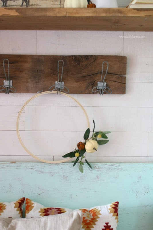 DIY-Pumpkin-Embroidery-Hoop-Wreath