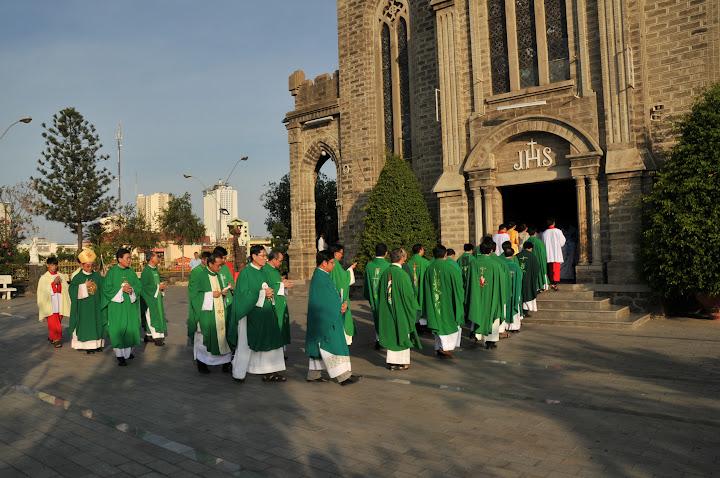 Hình ảnh thánh lễ kỷ niệm 58 năm thành lập Giáo phận tại nhà thờ Chánh Tòa Nha Trang.