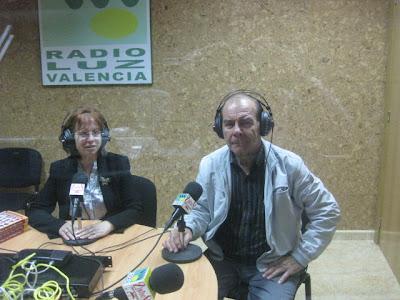 Isabel Oliver y Celestino Álvarez-Cienfuegos en Radio Escavia