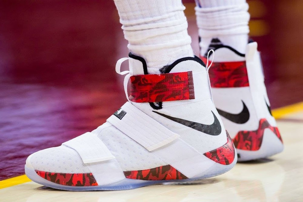 a09f8fdeed3 King James Debuts Red Camo Soldier 10 PEs in Win Over Lakers ...