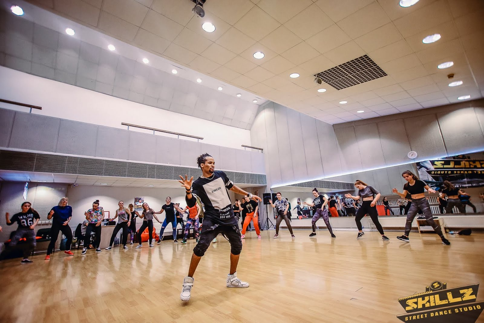 Dancehall workshop with Jiggy (France) - 50.jpg
