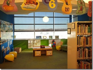 childrens-library-1008229_640