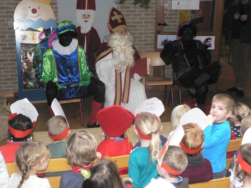 Sinterklaas op bezoek - P1270305.JPG