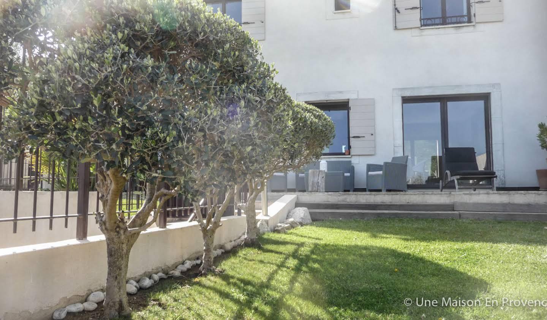 Villa avec piscine et jardin Rochefort-du-Gard