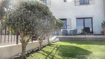 villa à Rochefort-du-Gard (30)