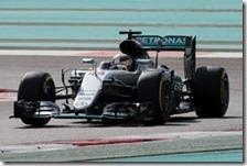 Lewis Hamilton nelle prove libere del gran premio di Abu Dhabi 2016