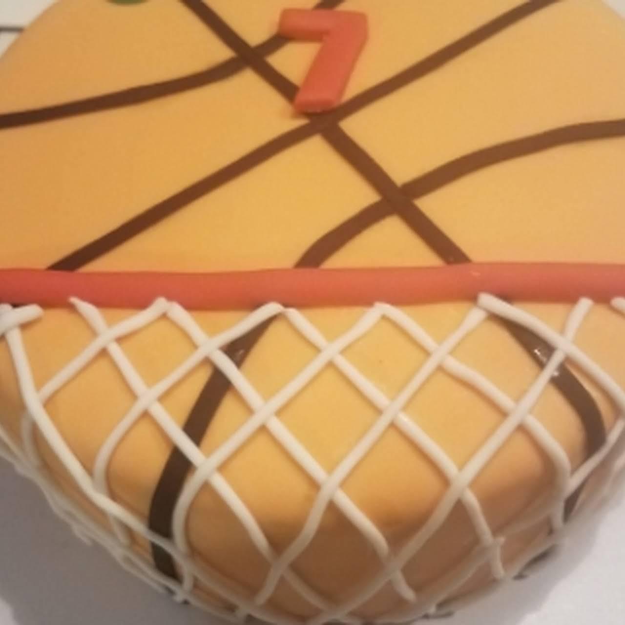 Eat Me - A Custom Cakes Co. - A Family Cake Shop in Sarasota Fl.