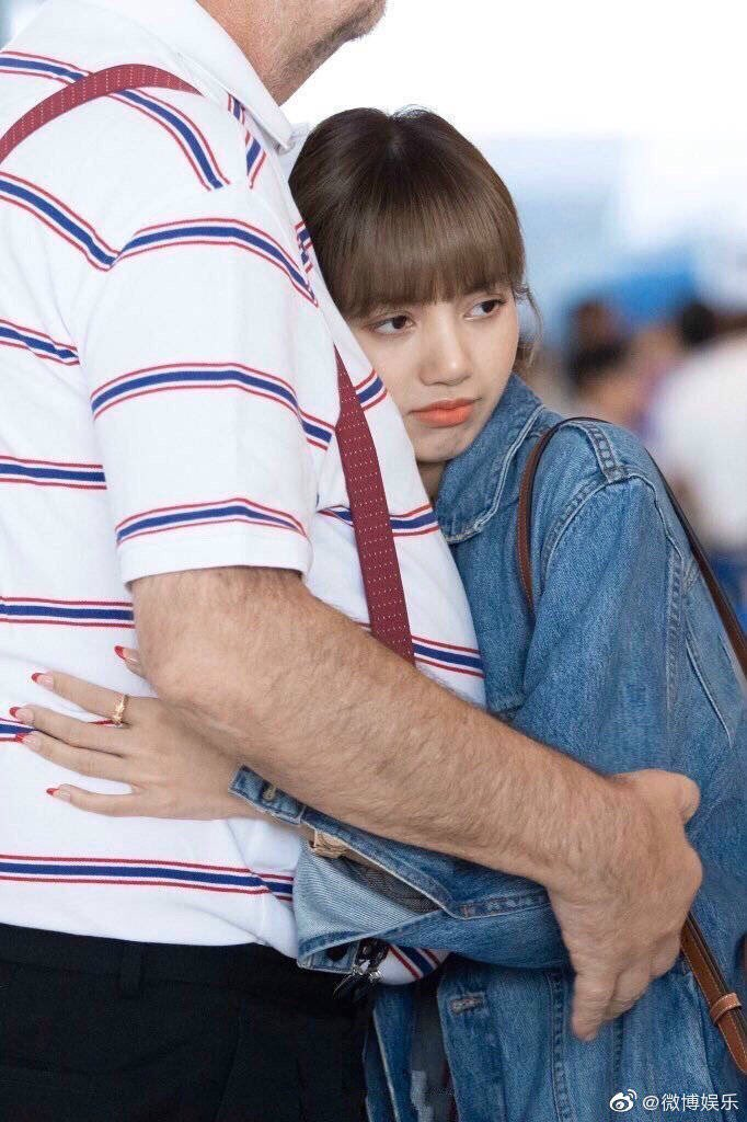 blackpink lisa dad