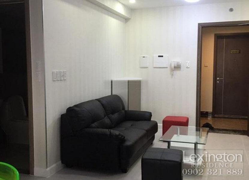 sofa tại phòng khách căn hộ Lexington bán