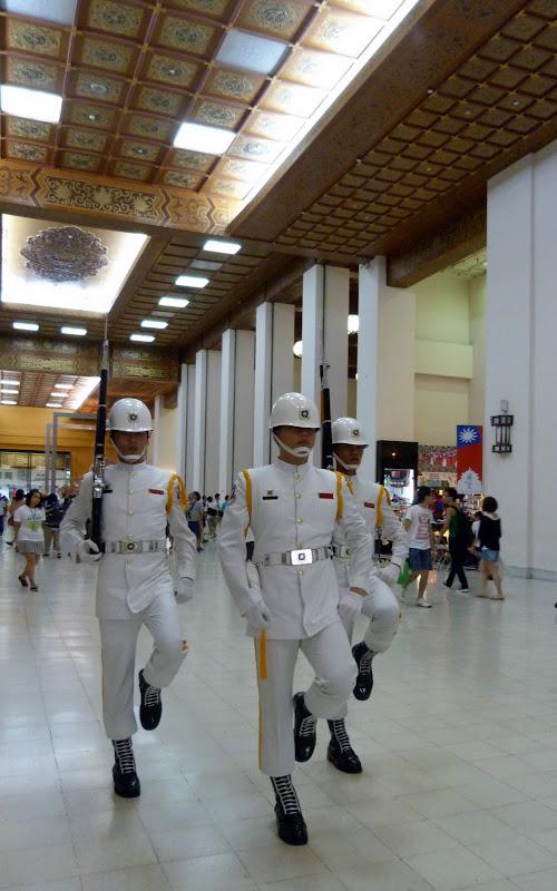 Mémorial Hall Chiang Kai-Shek. La relève de la garde