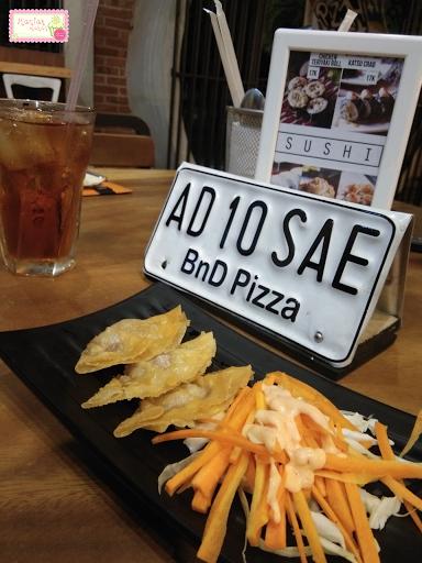 maniak-makan-bnd-pizza-solo-japanese-food-gyoza