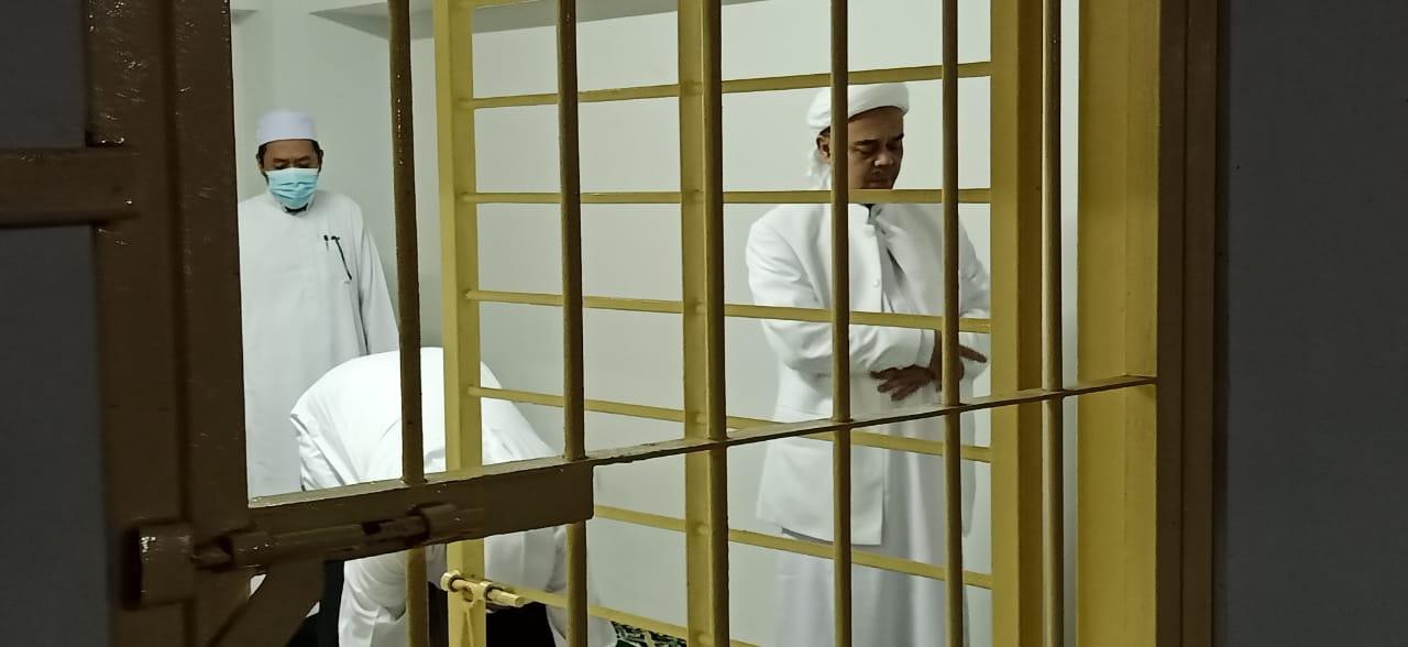 HRS Center: Memidana Habib Rizieq Sama Saja Mengkriminalisasi Maulid Nabi Muhammad