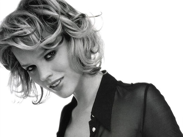Eva Herzigova:wallpaper0