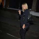 WWW.ENTSIMAGES.COM -  Zoë Ball   leaving   The Soho Hotel - London August 6th 2013                                                     Photo Mobis Photos/OIC 0203 174 1069