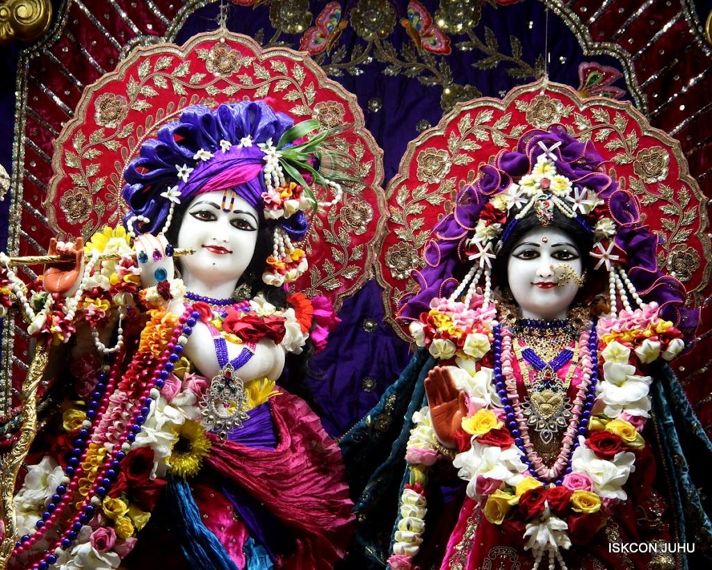 ISKCON Juhu Sringar Deity Darshan on 10th July 2016 (7)