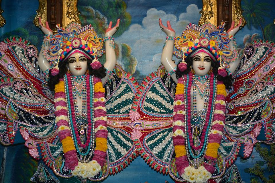 ISKCON Ujjain Deity Darshan 3 April 2016  (18)