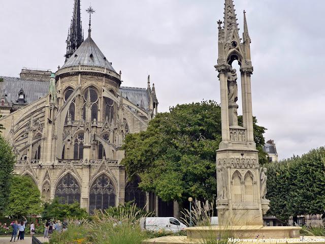 plaza-jean-XXIII.paris.JPG