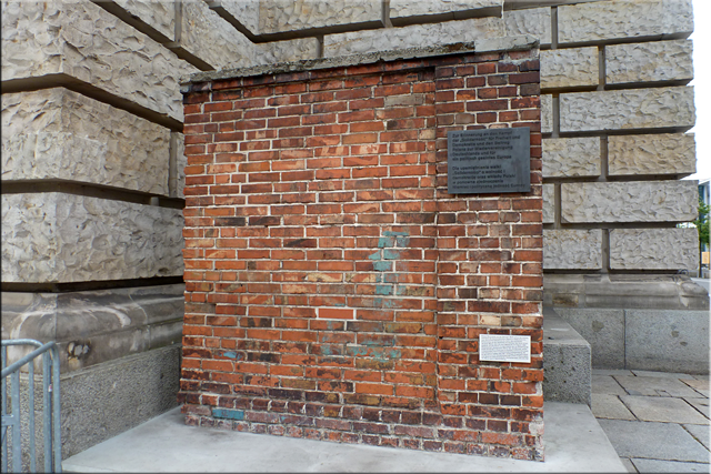 Trozo de la Muralla del Astillero de Gdansk (Polonia) - Berlín'15