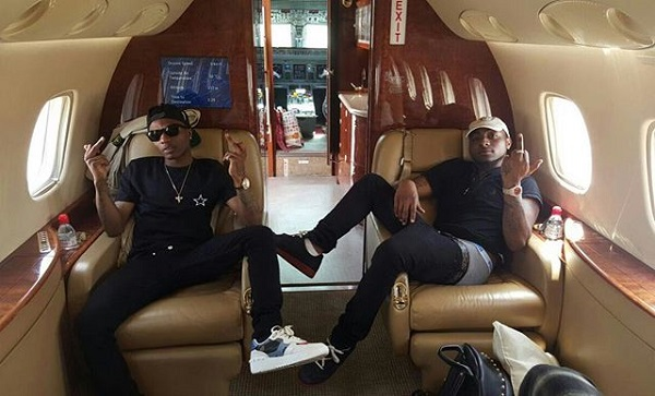 DAVIDO REPOSTS VIDEO OF WIZKID DANCING TO HIS SONG ON A PRIVATE JET [SCREENSHOT]