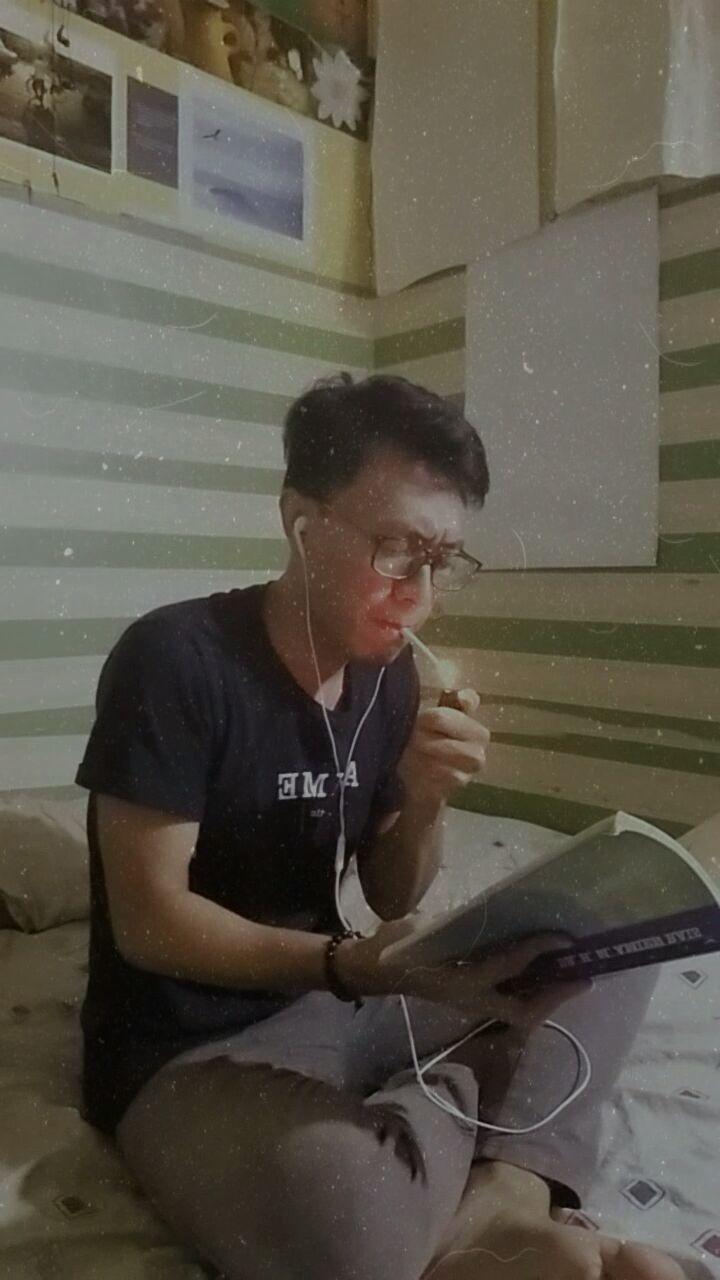 Menulis dan Merokok