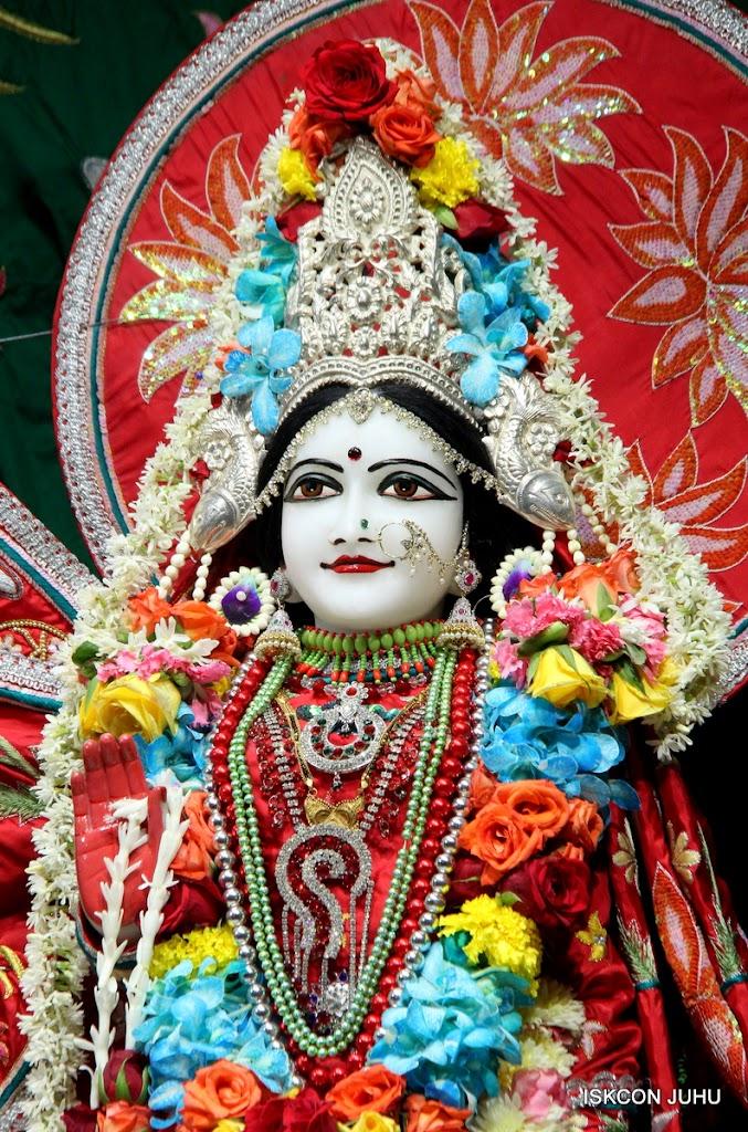 ISKCON Juhu Sringar Deity Darshan on 28th Aug 2016 (42)