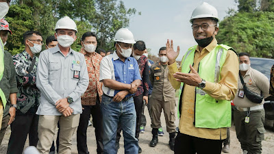 Tinjau Pembangunan Jalan dan Sentra IKM Kopi, Bupati dan Wabup Ingatkan Untuk Jaga Mutu dan Profesionalisme