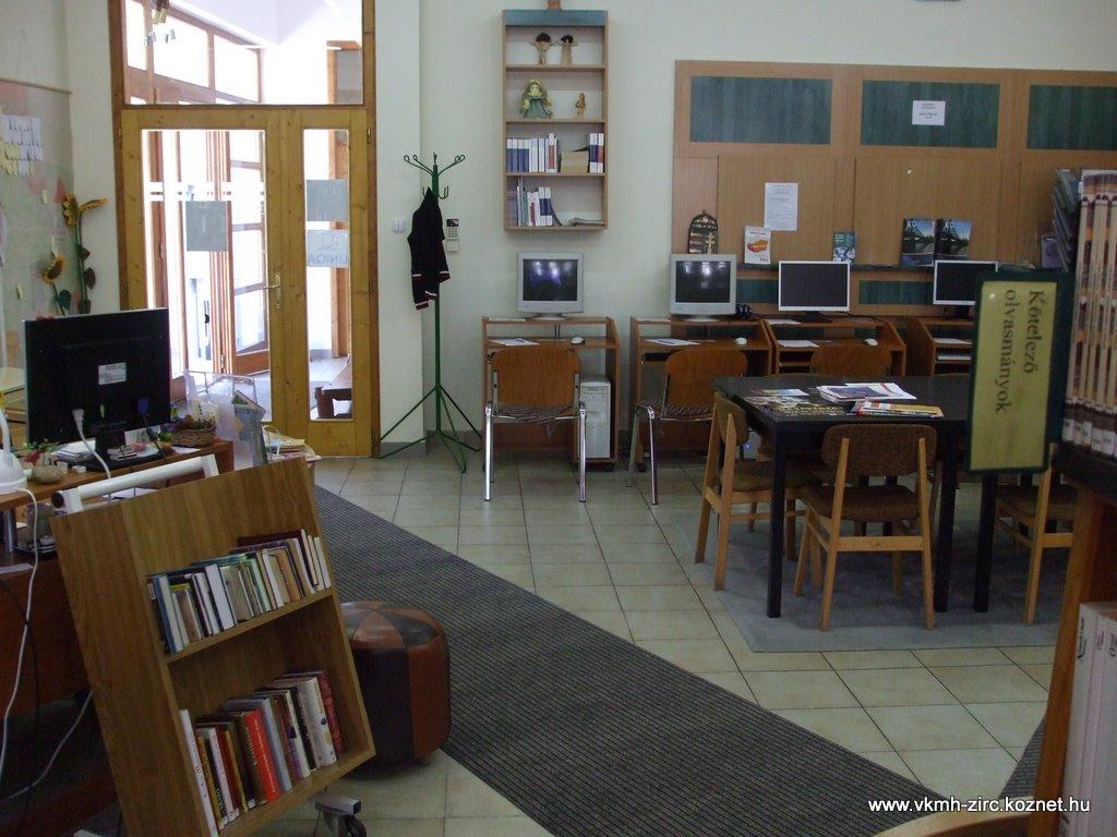 2009 jan. könyvtár 004.jpg rel=