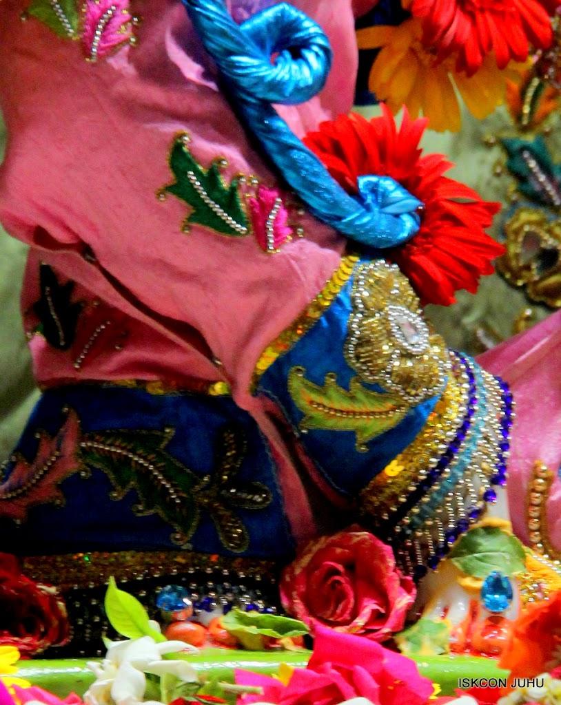 ISKCON Juhu Sringar Deity Darshan 10 Apr 16 (14)