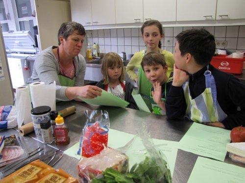Dit jaar werden er croques gemaakt. De opkomst van de kids was wat minder, maar zij die er waren waren heel gemotiveerd!