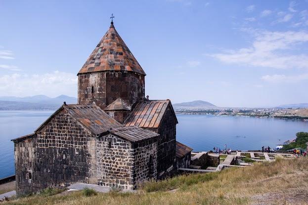 Z Yerevanu na Aragats: Výstup na barevnou střechu Arménie Arménie Kavkaz