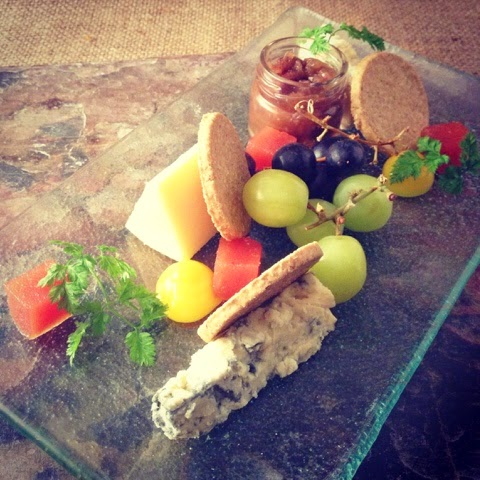 Courtyard Cheeseboard Ale Chutney, Oatcakes, Grapes