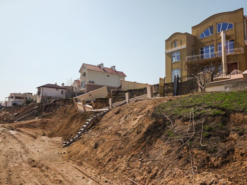 Opolzen%2B%25289%2529 Одесская область: в Черноморске элитные особняки раскалываются на части (ФОТО)