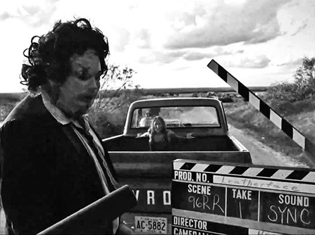 unearthed-texas-chainsaw-massacre-images-show-cast-having-a-killer-time-on-set-997408