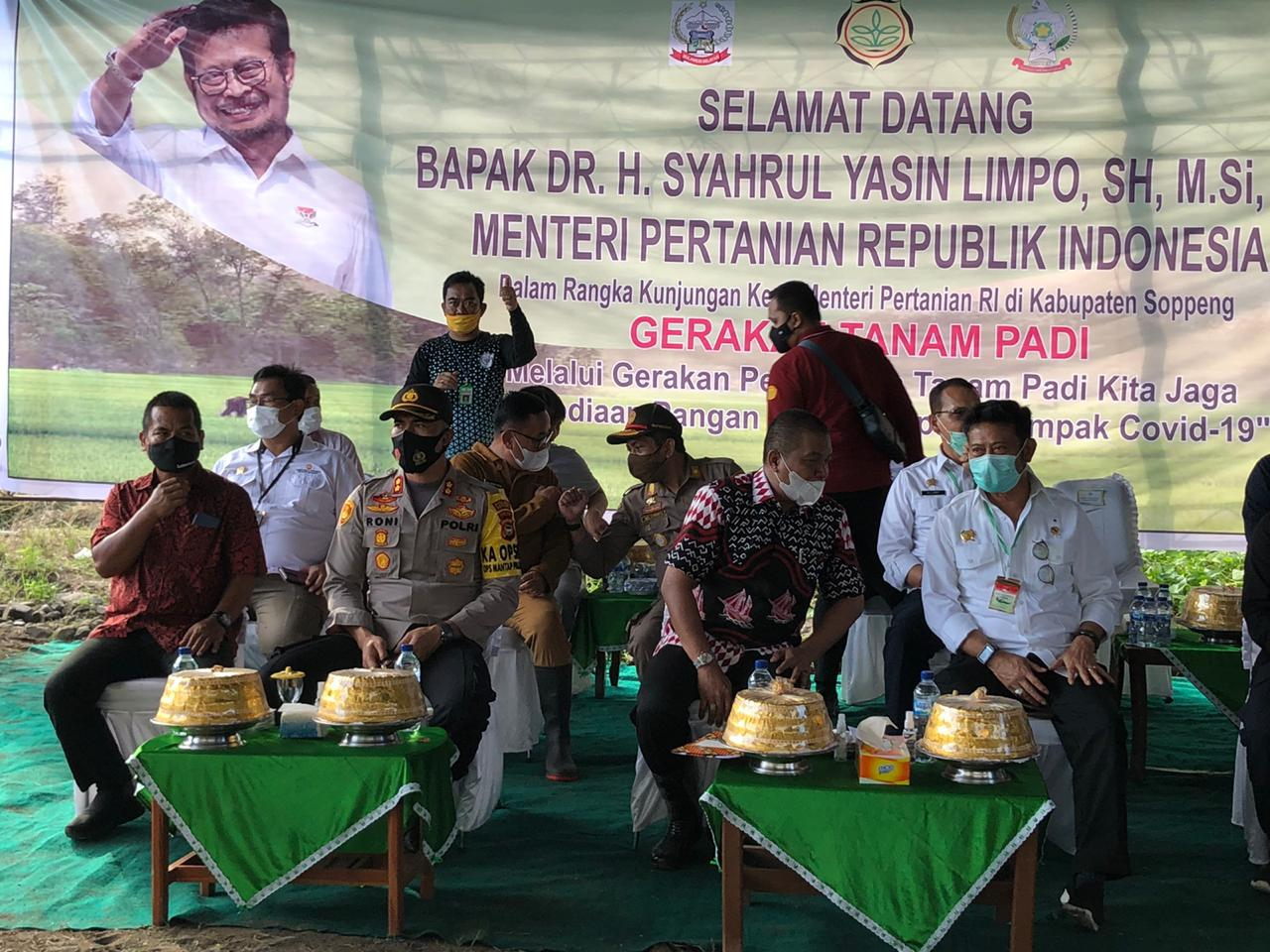 Kapolres, Bupati, dan Forkopimda Sambut Kunjungan Menteri Pertanian RI di Kabupaten Soppeng
