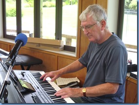 Gordon Sutherland playing his brand new Korg Pa4X and making use of the amazing midi to style converstion technology built into the instrument.