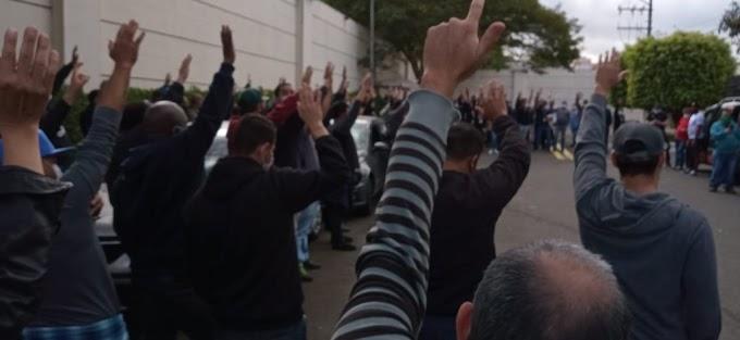 """Funcionários da RedeTV iniciam greve por """"tempo indeterminado"""""""