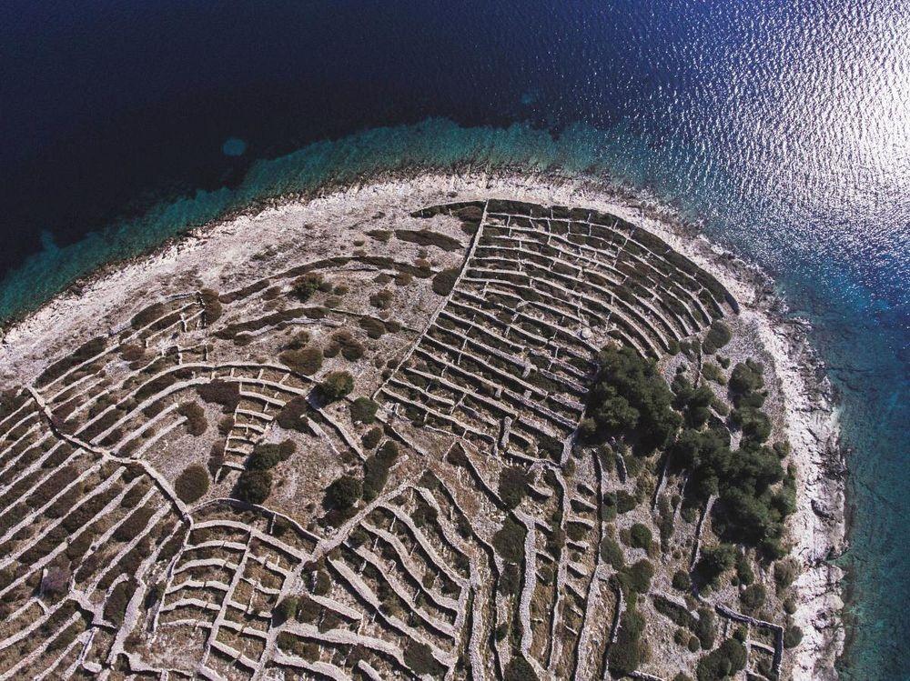 croatia-dry-stone-walls-1