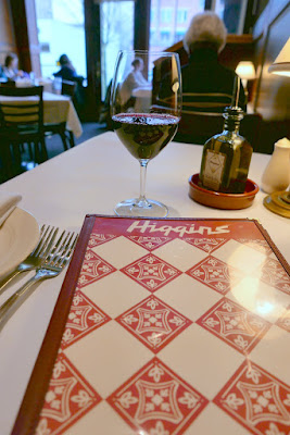 Higgins, Portland - menu and a lovely glass of red wine, here Waterbrook Melange red blend of 47% Merlot, 18% Cabernet Sauvignon, 15% Syrah, 7% Cabernet Franc, 4% Malbec, 4% Grenache, 2% Sangiovese and 1% each of Mourvedre, Cinsault and Counoise. From Columbia Valley, Washington.