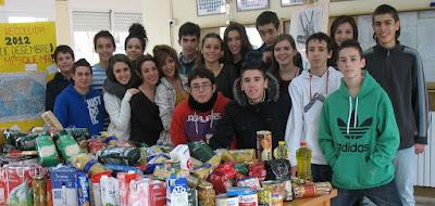 Organitzadors de la recollida d'aliments del 2012