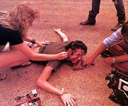 unearthed-texas-chainsaw-massacre-images-show-cast-having-a-killer-time-on-set-997431
