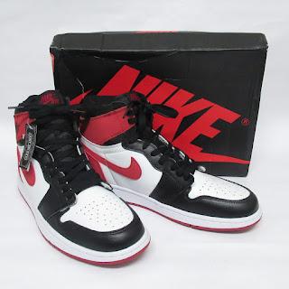 Jordan 1 Retro Black Toe
