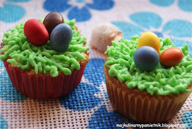Wiosenna zmiana i kolorowe babeczki czyli co można robić w niedzielne popołudnie razem z córka