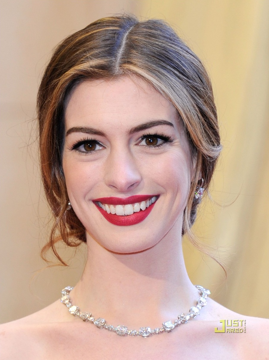 Anne+hathaway+diamond+eyelashes
